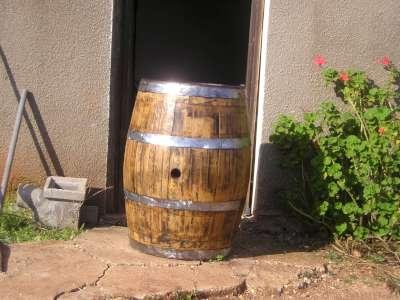 ענק ריהוט ואביזרי נוי   מבחר חביות יין מקוריות משומשות למכירה   נוי גן AJ-59
